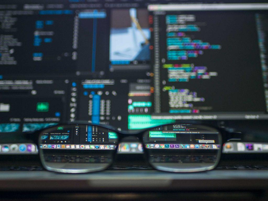 Foto van bril voor laptopscherm